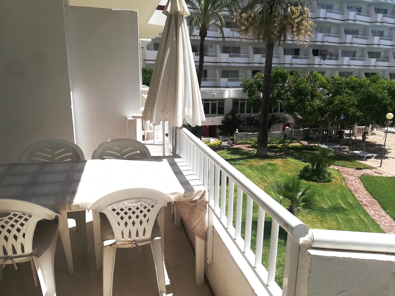 Bonito apartamento moderno de  2 dormitorios lado piscina en Siesta-1, Puerto Alcudia
